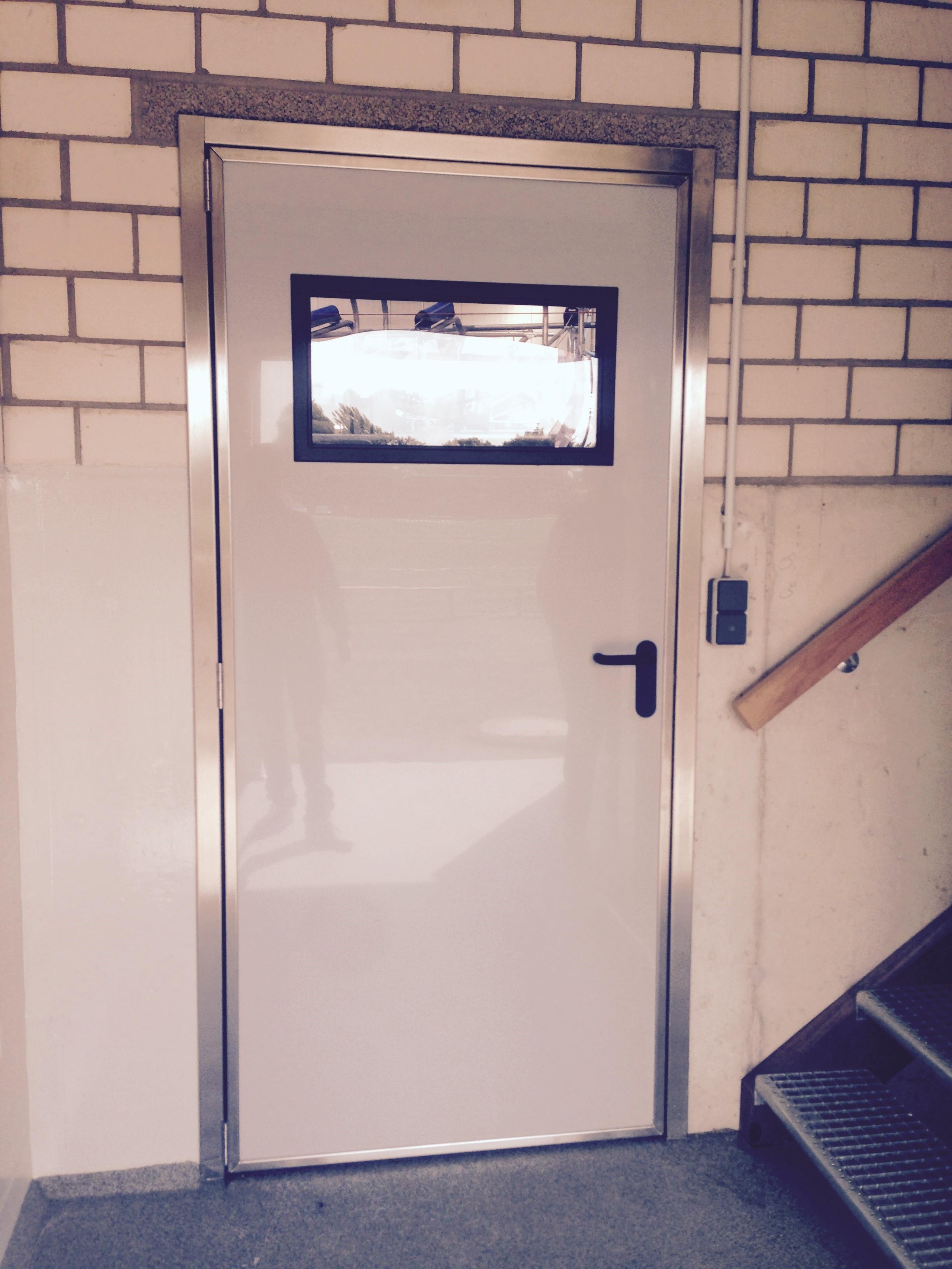Indvendig stalddør PVC med vindue